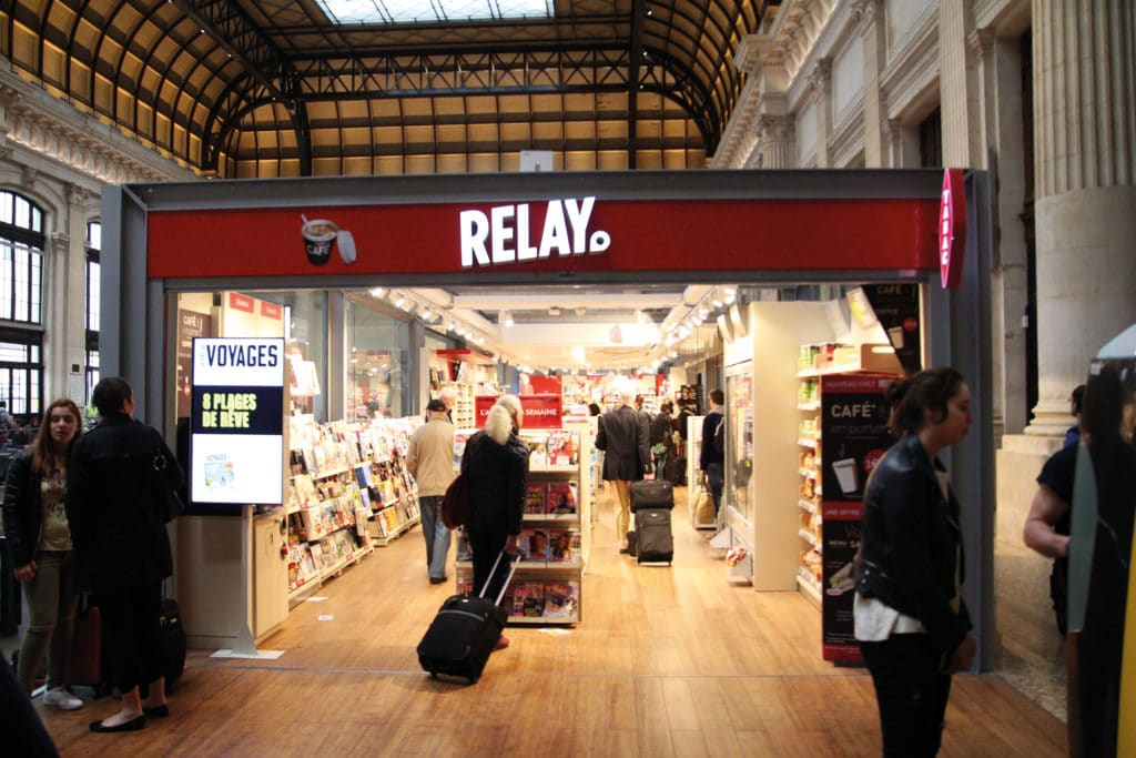 Photo du magasin Relay du hall principal de la Gare Saint-Jean de Bordeaux sur lequel est intervenu Multies by BRUNET.